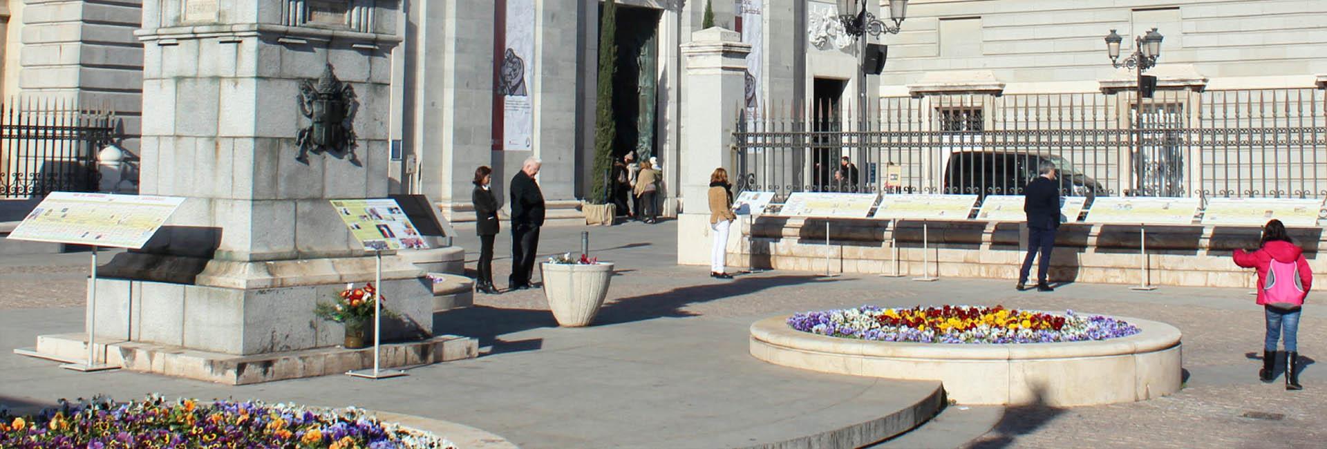 Catedral de Almudena. Plaza de San Juan Pablo ll.